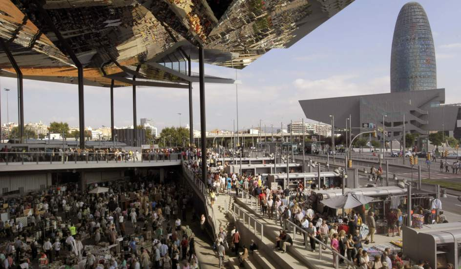 Markets in barcelona what to do in barcelona - Encantes barcelona ...