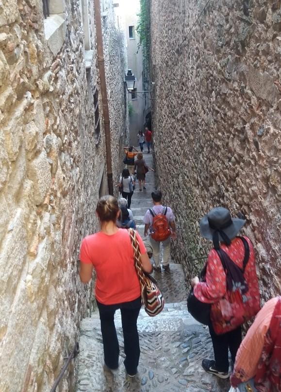 Street or corridor? In the Call - Jewish Quarter in Girona