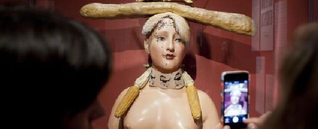 'Busto de mujer retrospectivo'