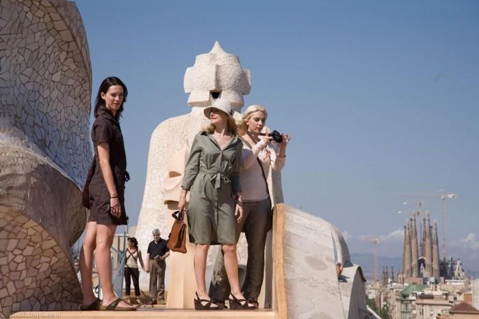 Vicky-Cristina-Barcelona-woody-allen-la-pedrera-sagrada-familia-barcelona-as-a-film-set