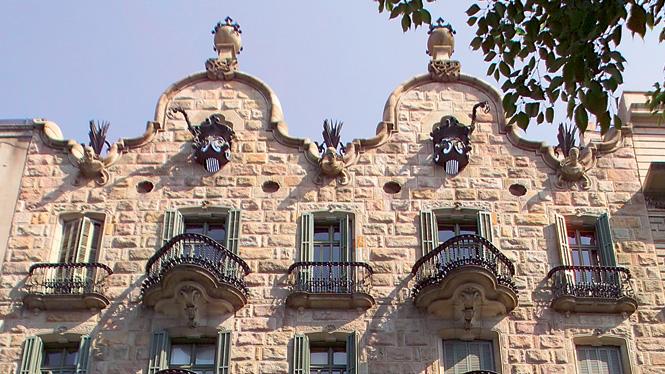 casa-calvet-gaudí-barcelona-monuments