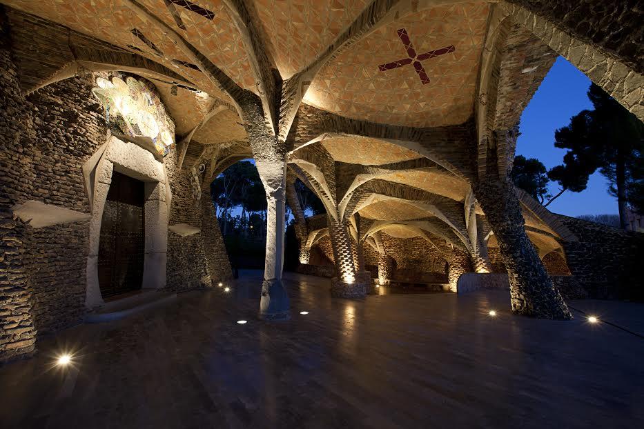 cripta guell-monuments-gaudi-barcelona