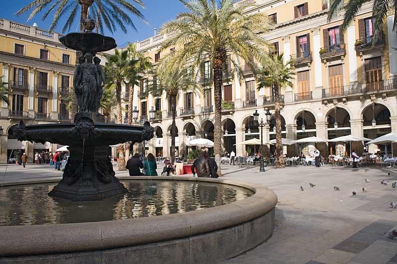 plaça-reial-book-barcelona