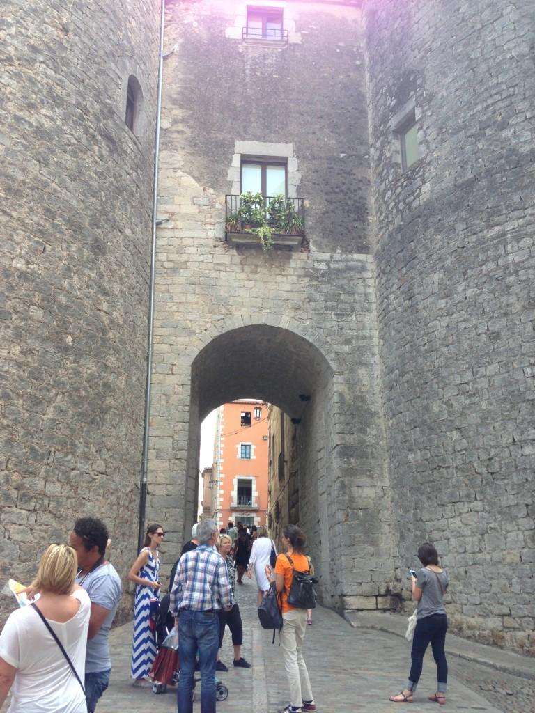 Walking tour in Girona