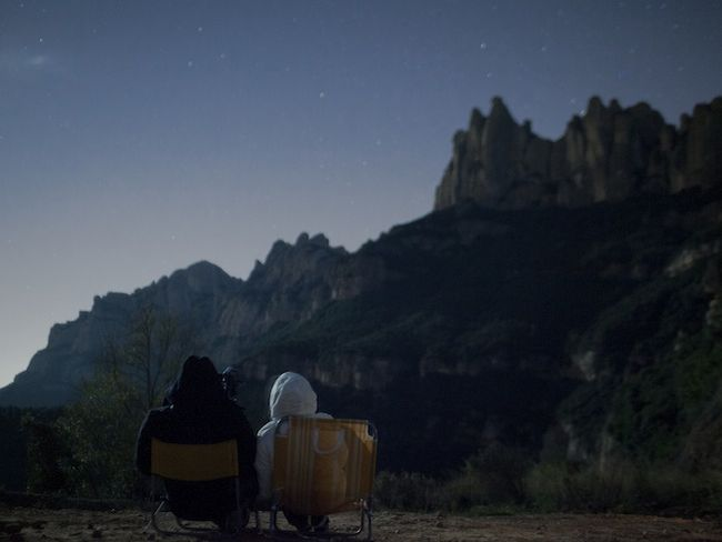 Couple waiting for ovnis in Montserrat