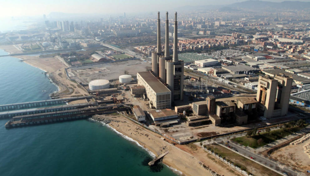 Sun sea and sand which beaches of barcelona are the local 39 s favorites what to do in barcelona - Chimeneas granollers ...