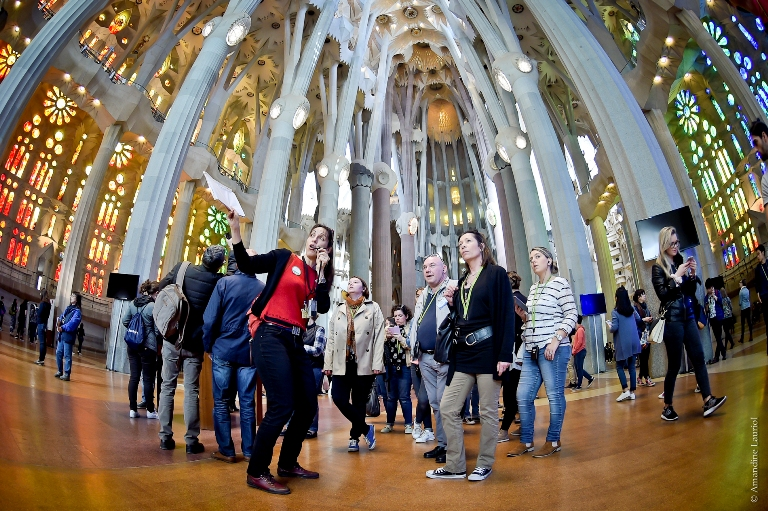 Guided tour inside Sagrada Familia temple