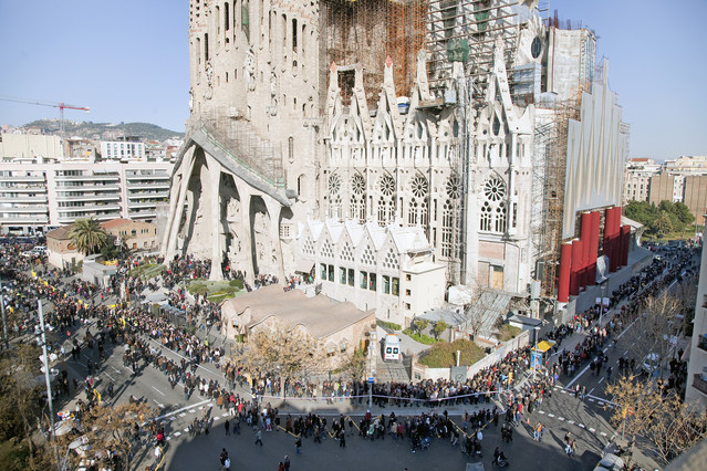 Long lines to access to Sagrada Familia
