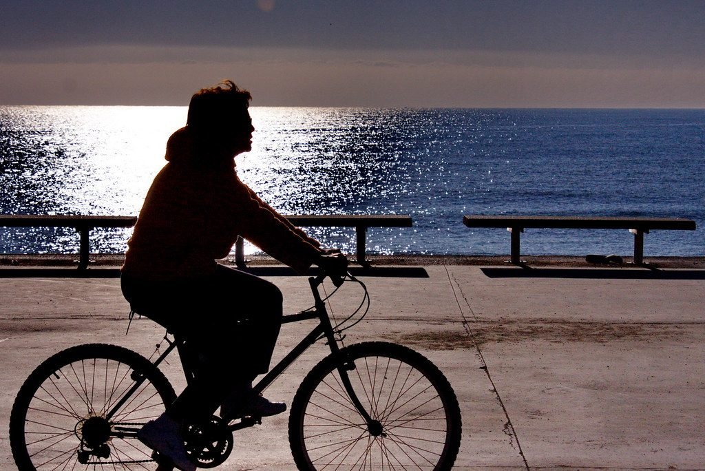 Cycling by the beach ©Shayan_Flickr