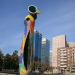 Dona i Ocell Miro's artwork in Sants